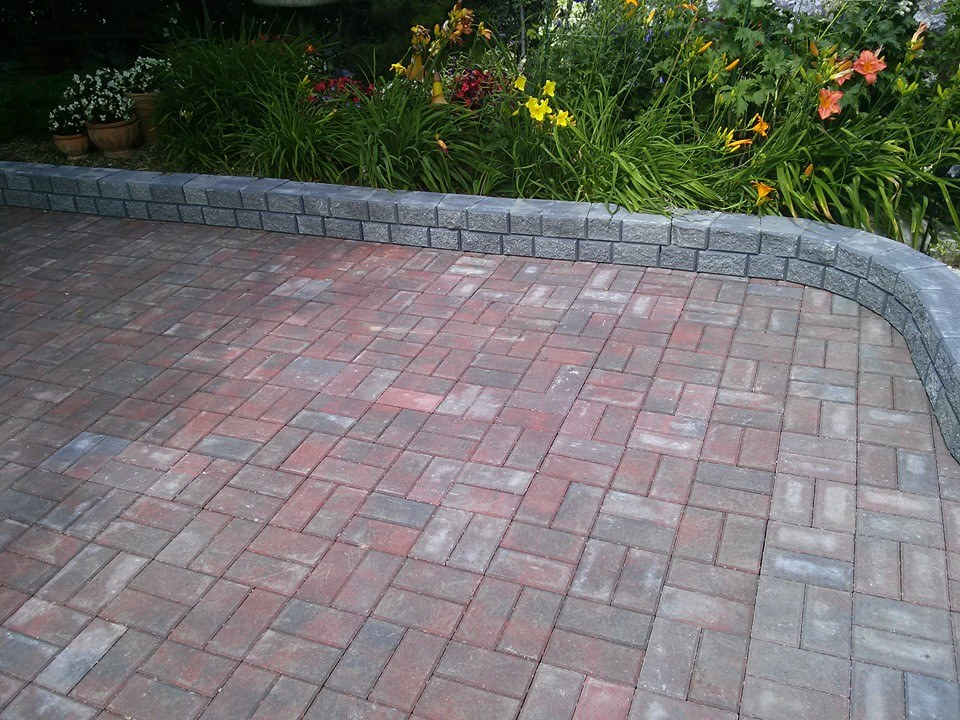 Backyard brick work-Dauphin construction company