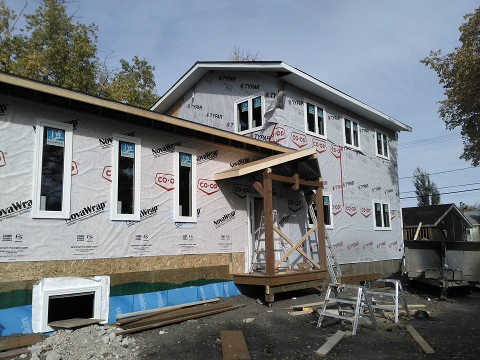 Tri square construction dauphin mb mountain house siding project - Mountain house projects ...